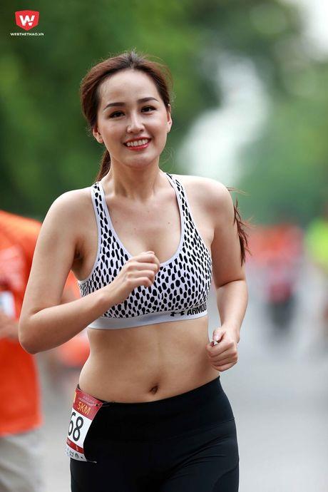 Vong eo that cua Mai Phuong Thuy khi chua chinh sua - Anh 3