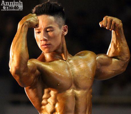 Luc sy Viet khoe co bap cuon cuon 'hut hon' phai yeu - Anh 8