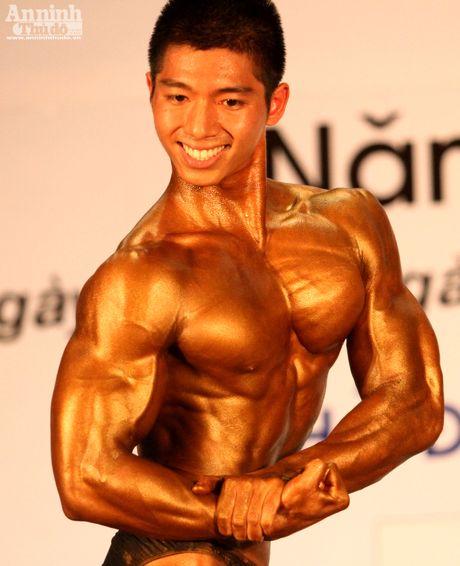 Luc sy Viet khoe co bap cuon cuon 'hut hon' phai yeu - Anh 9