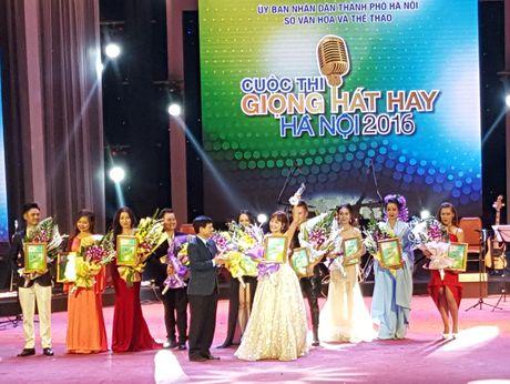Nguyen Thi Thu Thuy gianh ngoi quan quan 'Giong hat hay Ha Noi 2016' - Anh 1