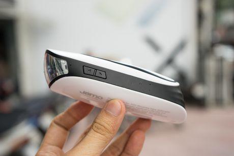 Tren tay Jamo DS 1 - Loa Bluetooth kiem den pin gia 840 nghin - Anh 6