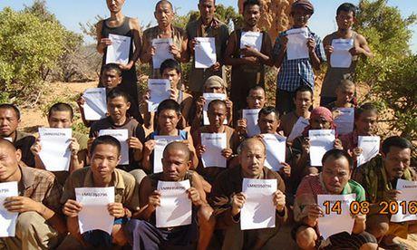 The gioi ngay qua: Cuop bien Somalia tha con tin Viet Nam sau 4 nam giam giu - Anh 5
