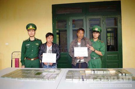 Pha chuyen an ma tuy lon nhat Thanh Hoa, thu giu 69 banh heroin - Anh 1