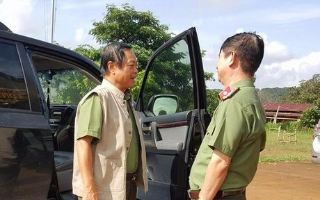 Vu 3 bao ve rung bi ban chet: Thu truong Bo Cong an vao hien truong dieu tra - Anh 1