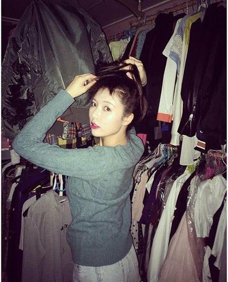 Sao Han 24/10: A Pink lo dang ngu kho do, Yuri hoa 'ba co' - Anh 13