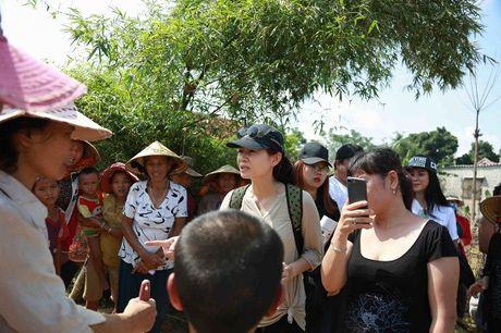 Thu Minh mac moc, gian di cung Trang Phap cuu tro mien Trung - Anh 8