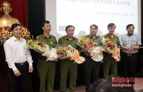 Khen thuong 2 chuyen an ve ma tuy cua Cong an TP. Vinh - Anh 3