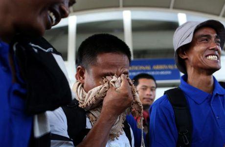 Thuy thu Viet Nam bi cuop bien Somali bat giu 4 nam duoc tra tu do - Anh 1
