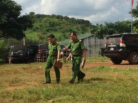 Dak Nong bao cao Chinh phu vu no sung khien 18 nguoi thuong vong - Anh 2