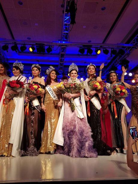 Janny Thuy Tran dang quang Hoa hau Phu nhan Viet Nam Hoan cau 2016 - Anh 3