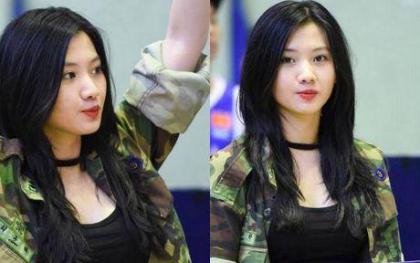 Hot girl 9X Ha Noi 'dot chay' san dau bong ro - Anh 2