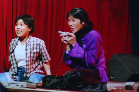 Viet Huong tiet lo anh chup cung Minh Nhi, Hoai Linh gan 20 nam truoc - Anh 1