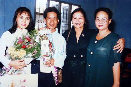 Viet Huong tiet lo anh chup cung Minh Nhi, Hoai Linh gan 20 nam truoc - Anh 4