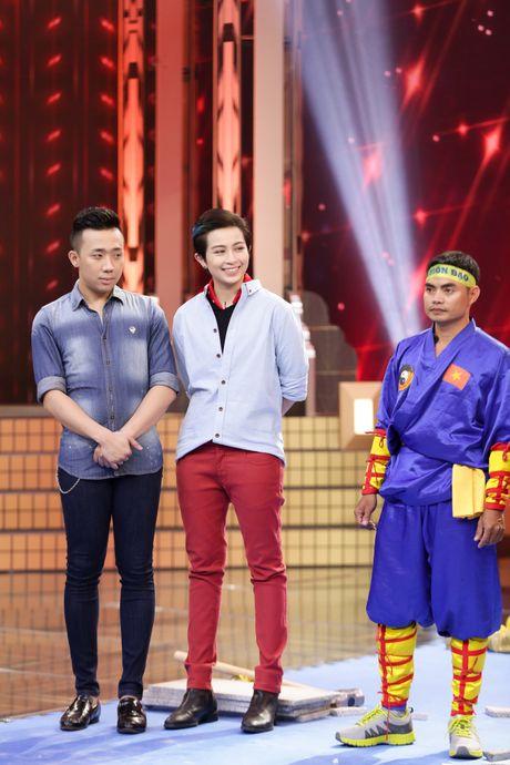 Gil Le xuat hien ap dao san khau 'Ky tai thach dau' - Anh 6
