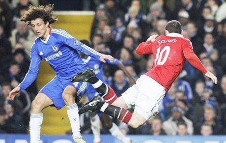 Graeme Souness: 'David Luiz dang bi duoi o tran Chelsea – Man United' - Anh 4