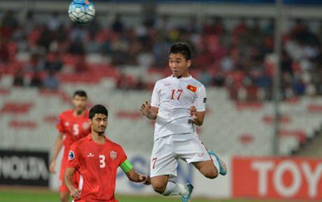 'Nguoi hung' Tran Thanh tri an nguoi ham mo, ca ngoi HLV Anh Tuan - Anh 1