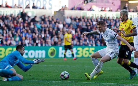 Chum anh: Nhung khoanh khac dep nhat vong 9 Premier League - Anh 16