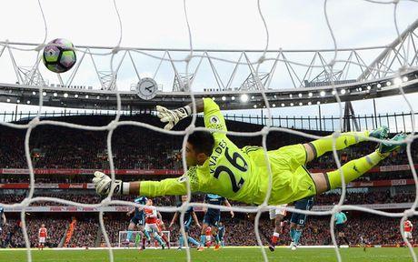 Chum anh: Nhung khoanh khac dep nhat vong 9 Premier League - Anh 3