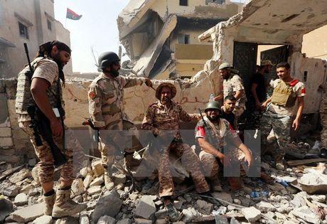 Libya giai cuu 24 dan thuong bi luc luong IS giam giu tai Sirte - Anh 1