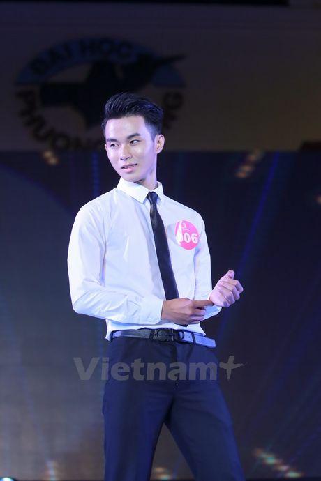 Nam thanh nu tu truong Phuong Dong rang ngoi dem chung ket hoa khoi - Anh 9