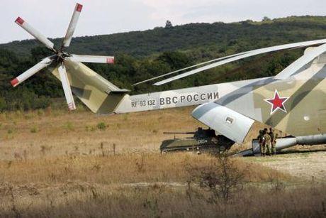 Truc thang My khien Mi-26 'hit khoi' - Anh 2
