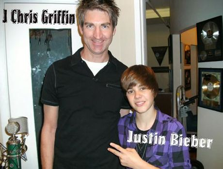 Thuy Top hop tac cung nha san xuat cua Justin Bieber? - Anh 2