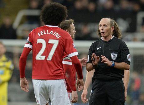 Chuyen dong MU: Pogba xuat sac hon mua truoc, Mourinho khuyen Rooney ra di - Anh 3