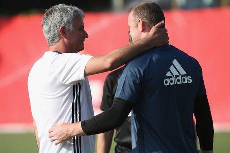Chuyen dong MU: Pogba xuat sac hon mua truoc, Mourinho khuyen Rooney ra di - Anh 5