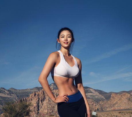 Nu HLV the hinh tuyet sac xu Kim Chi - Anh 1