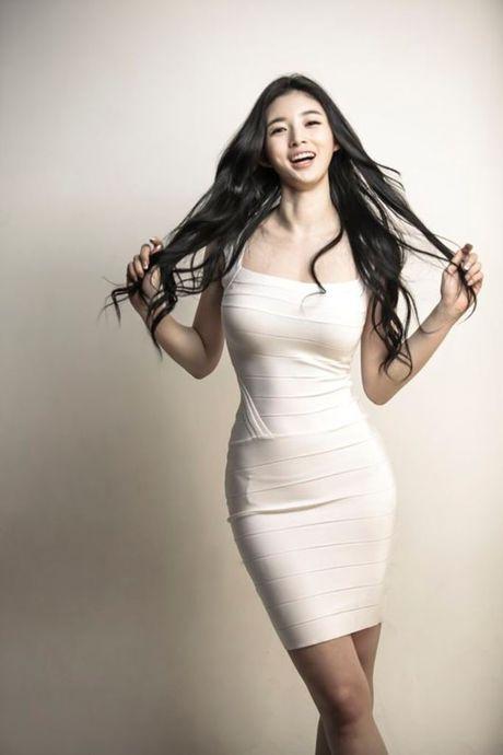 Nu HLV the hinh tuyet sac xu Kim Chi - Anh 3