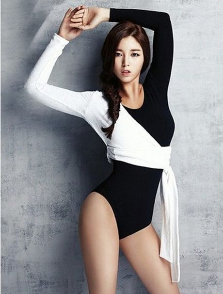 Nu HLV the hinh tuyet sac xu Kim Chi - Anh 4