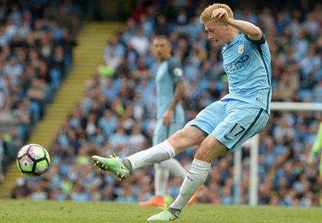 Nong: De Bruyne vang mat derby Manchester - Anh 1