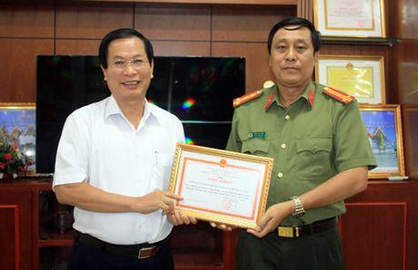 Khen thuong Cty Co phan Van tai va Quan ly ben xe Da Nang - Anh 1