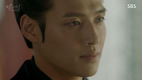 Nguoi tinh anh trang tap 17: Vua dang co, Lee Jun Ki da bi ep cuoi em gai - Anh 10