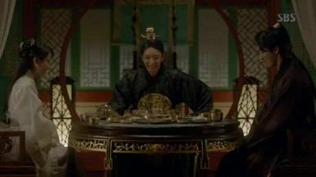 Nguoi tinh anh trang tap 17: Vua dang co, Lee Jun Ki da bi ep cuoi em gai - Anh 5