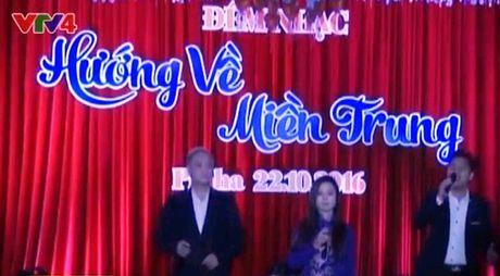 "Dem nhac ""Huong ve mien Trung"" tai Cong hoa Czech - Anh 1"