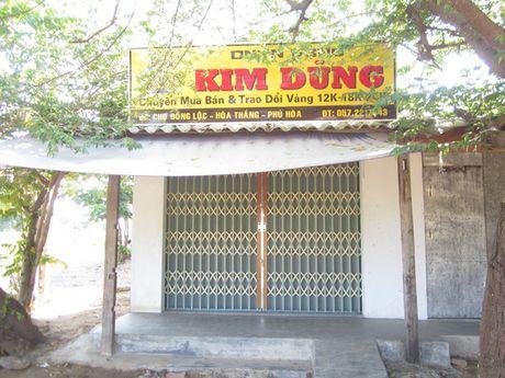 Vu cuop tiem vang Phu Yen: Ten cuop cuoi cung sa luoi - Anh 4