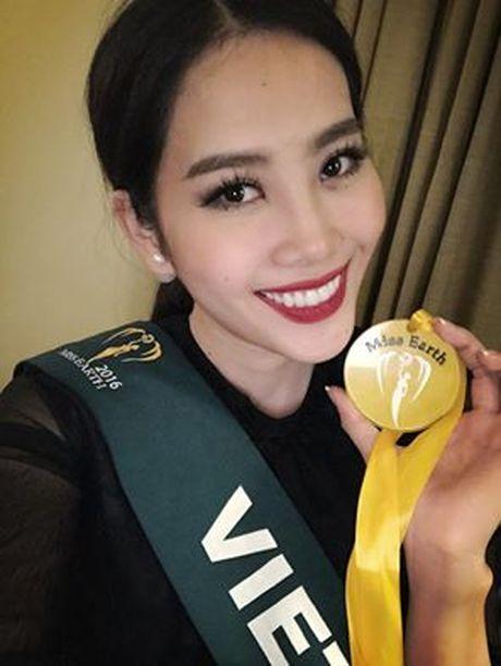 "Nam Em doat huy chuong vang thi anh tai ""Miss Earth"" - Anh 1"
