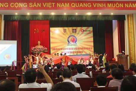 Thu truong Phan Chi Hieu phat dong cuoc thi 'Luat gia tuong lai' tren dia ban Ha Noi - Anh 2