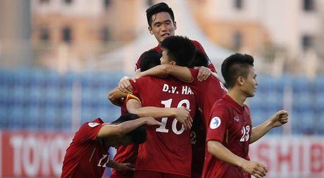 Tin HOT toi 25/10: U19 Viet Nam thiet quan truoc tran gap Nhat - Anh 1