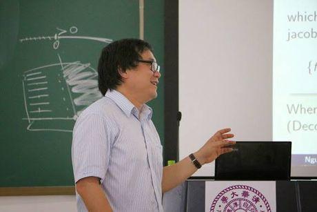 Phan bien GS.Ho Ngoc Dai (5): Hoc pho thong den bao nhieu tuoi la hop ly? - Anh 1
