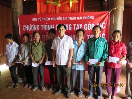 2.000 suat qua va hon 500 trieu dong den voi dong bao vung lu Ha Tinh, Quang Binh - Anh 2