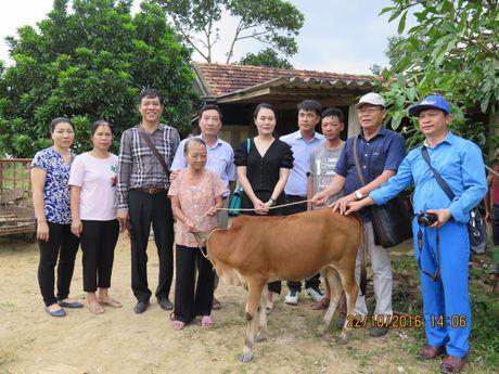 2.000 suat qua va hon 500 trieu dong den voi dong bao vung lu Ha Tinh, Quang Binh - Anh 3