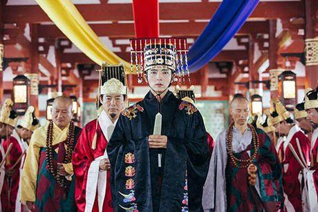 Nguoi tinh anh trang tap 17: IU chinh thuc dua Lee Jun Ki len ngoi vua - Anh 4