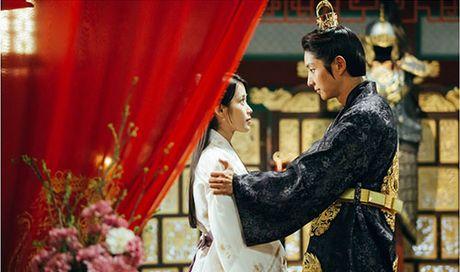 Nguoi tinh anh trang tap 17: IU chinh thuc dua Lee Jun Ki len ngoi vua - Anh 6