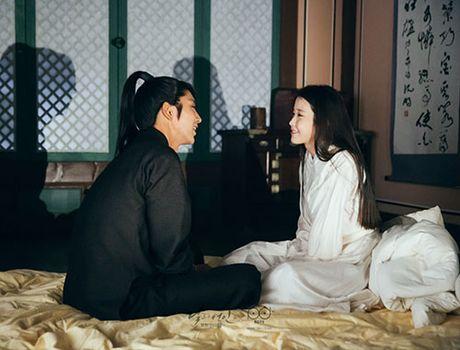Nguoi tinh anh trang tap 17: IU chinh thuc dua Lee Jun Ki len ngoi vua - Anh 8