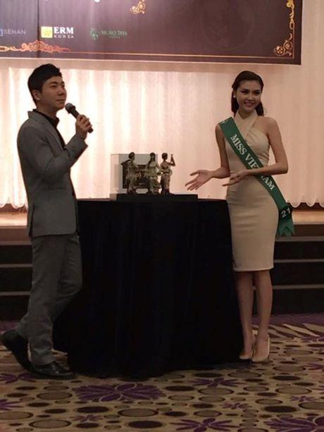 Khoanh khac Ngoc Duyen dang quang Nu hoang sac dep toan cau 2016 - Anh 4