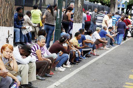 Venezuela doi mat voi cuoc khung hoang chinh tri moi - Anh 1