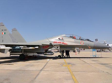 An Do chot thoi gian phong thu ten lua BrahMos tu Su-30MKI - Anh 1