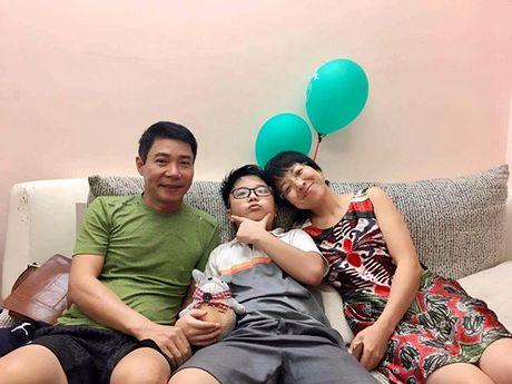 MC Thao Van va Cong Ly vui ve doan tu trong ngay sinh nhat con trai - Anh 1